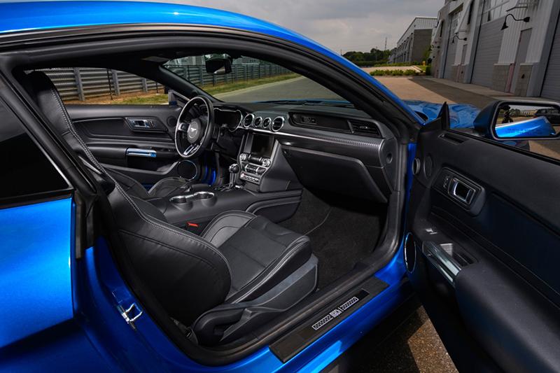 Mustang Mach 1 interior