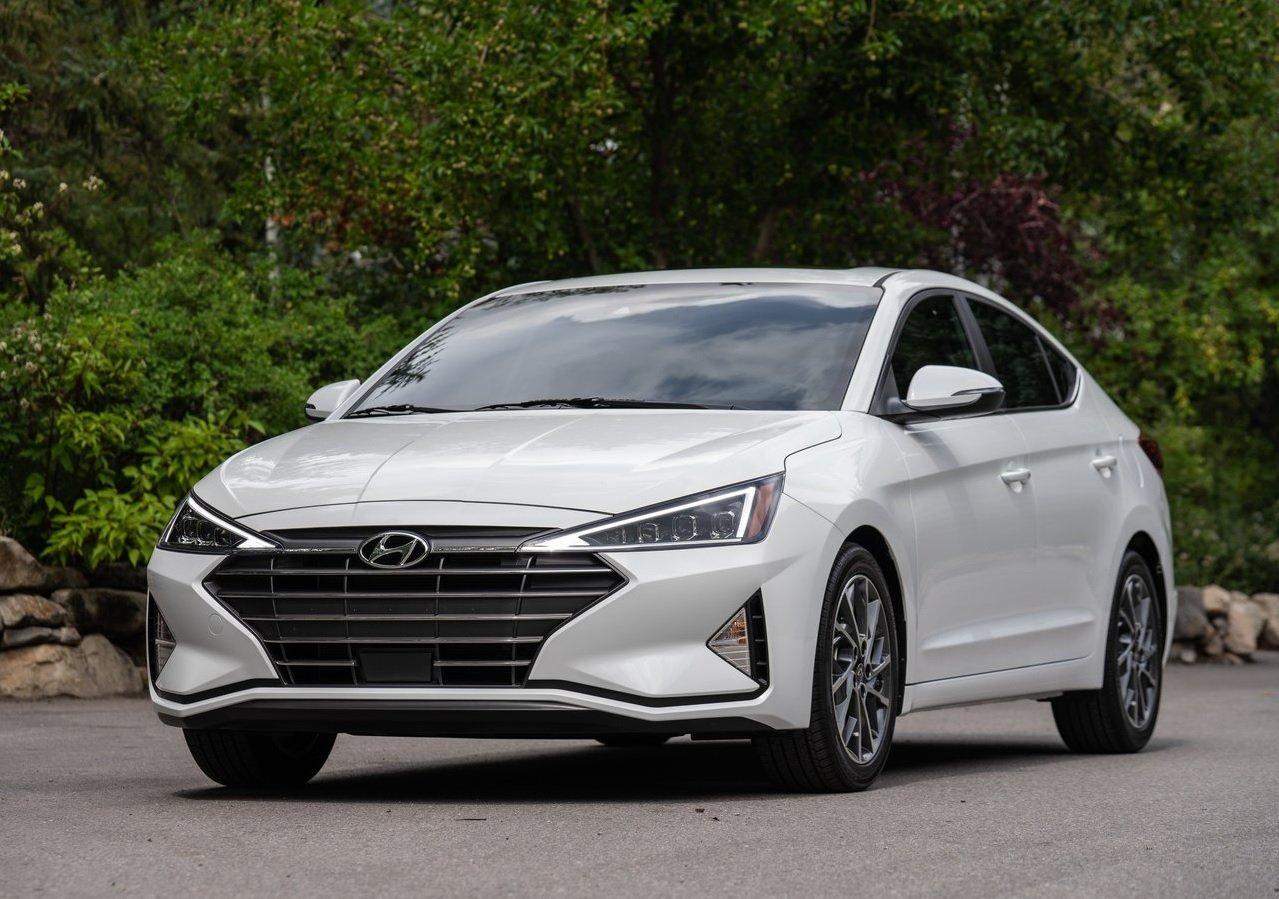 Hyundai Elantra Precio 4
