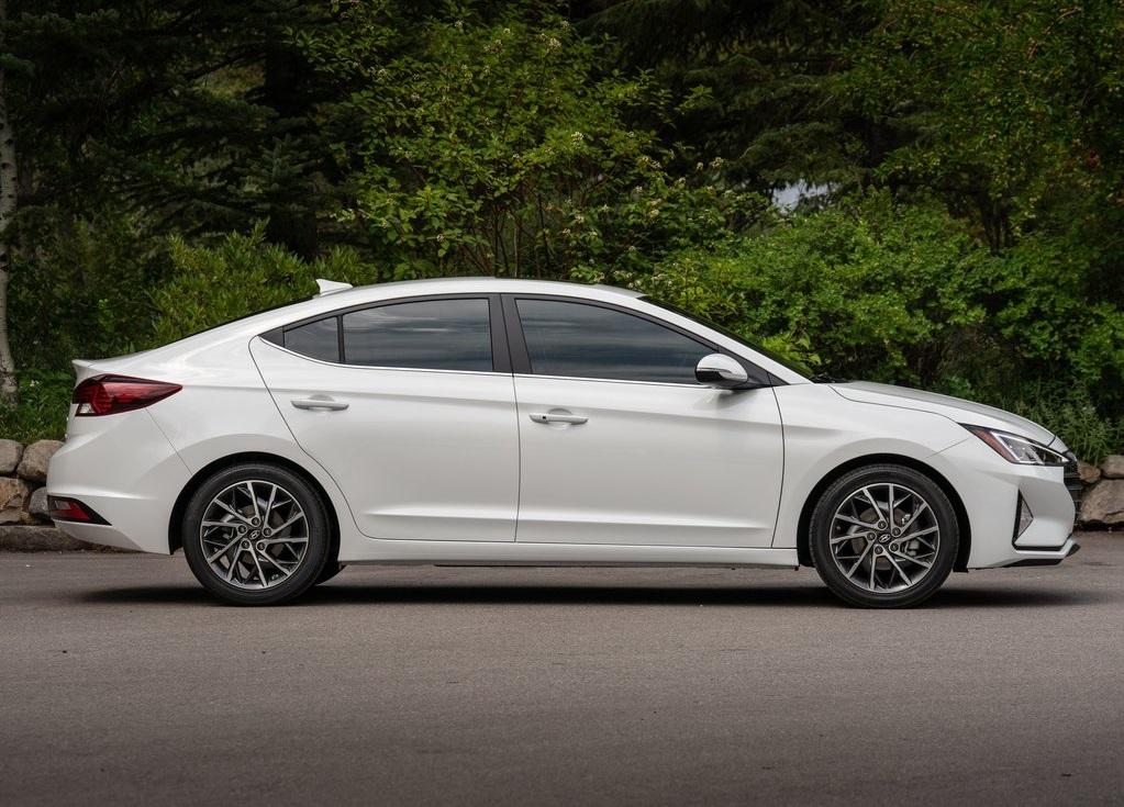 Hyundai Elantra Precio 5