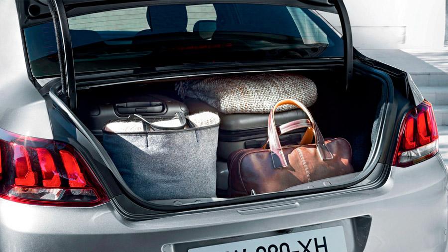 La cajuela Peugeot 301 Allure HDi 2021 resena opiniones tiene una capacidad de 640 litros