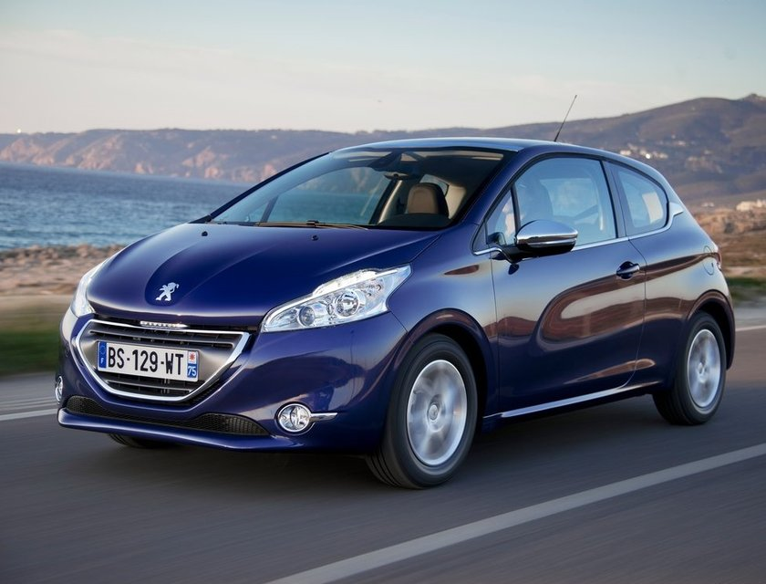 autos ahorradores de gasolina - peugeot 208