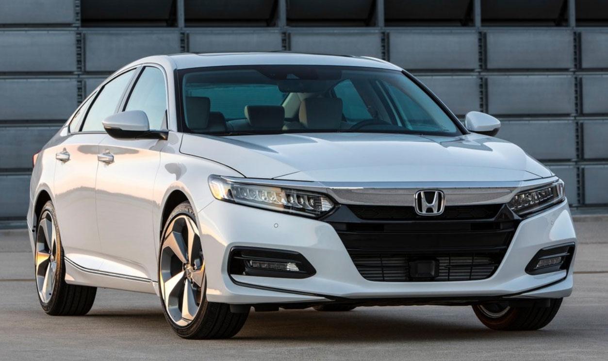 El Honda Accord es un sedán mediano con buen diseño