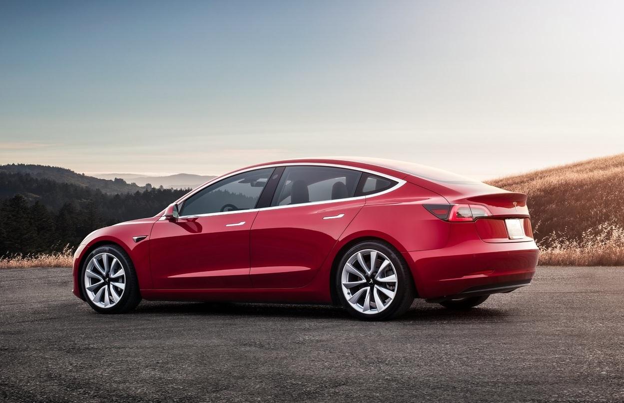Video: Burger King usa a su favor un error en el Autopilot de Tesla