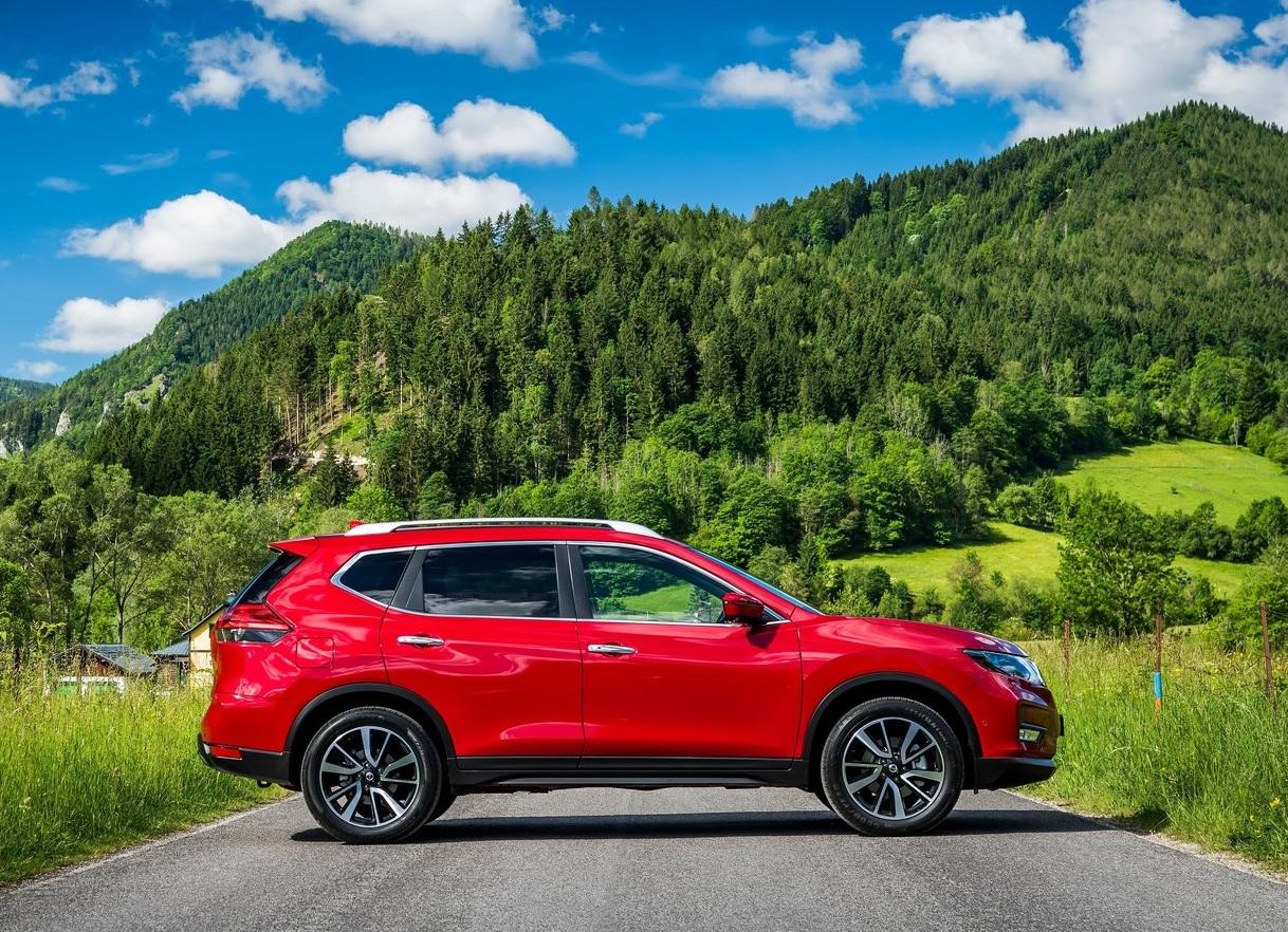 Nissan X-Trail Exclusive 2 Row 2020 Kia Sportage 2.4 SXL TA 2020 comparativa