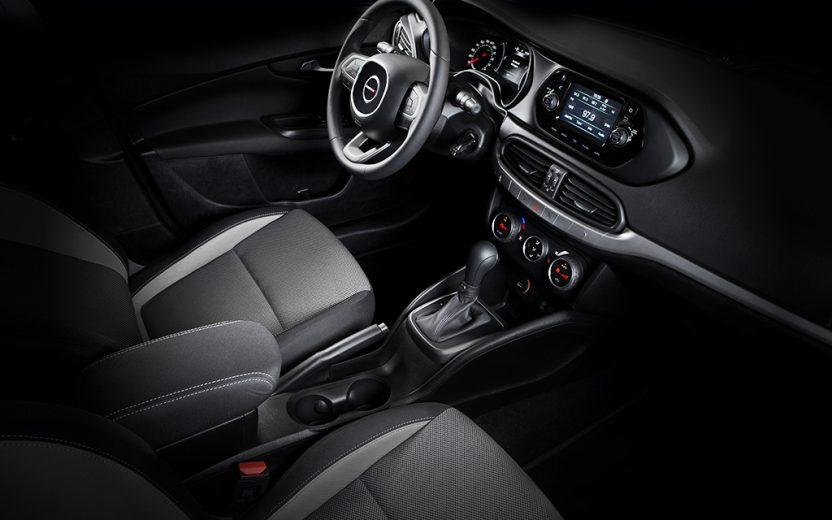 Dodge Neon GT AT 2020 Chevrolet Cavalier Premier 2020 comparativa
