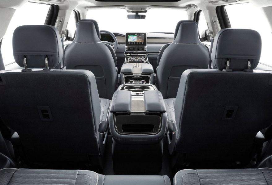 La Lincoln Navigator precio mexico tiene cristales de privacidad