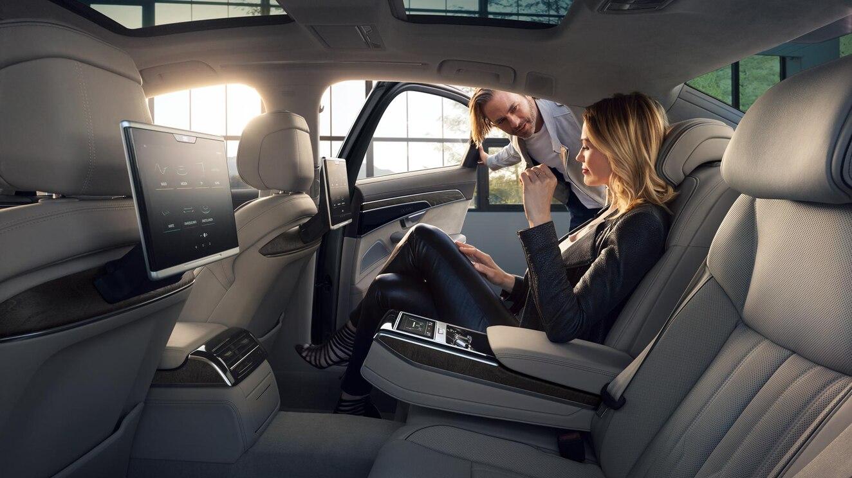 Audi A8 55 TFSI Premium 2020 BMW Serie 7 740iA Excellence 2020 comparativa