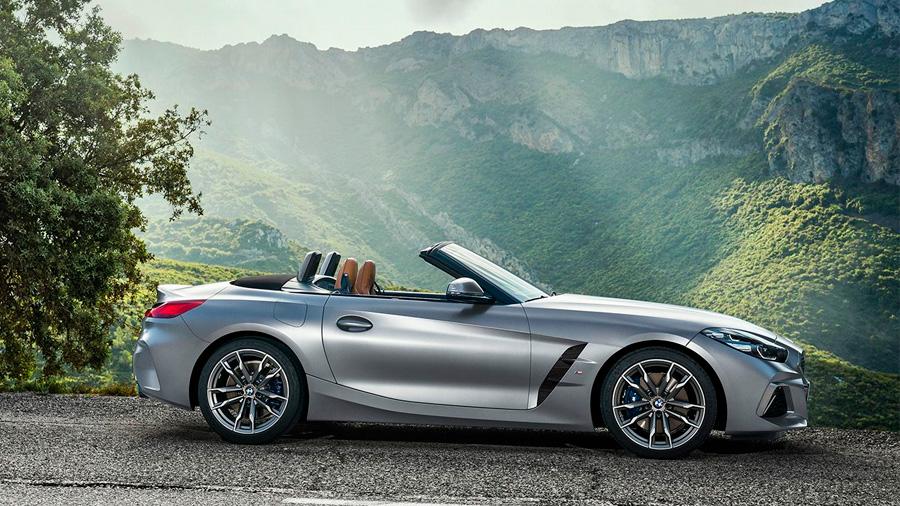 El BMW Z4 M40i 2021 resena opiniones genera confianza por sus múltiples asistencias para la conducción