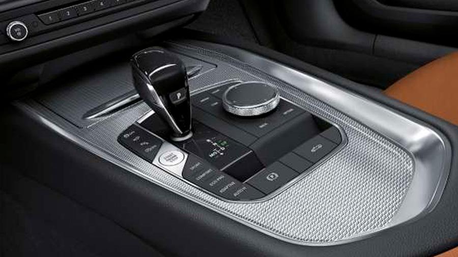 La consola central BMW Z4 M40i 2021 resena opiniones tiene una distribución lógica de los botones y mandos