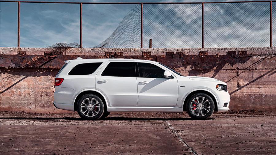 Dodge Durango precio mexico Es una SUV de 3 filas con una estética diferencial, así como una propuesta mecánica de gran potencia y manejo entretenido