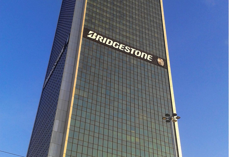 Bridgestone trabaja en innovaciones en neumáticos