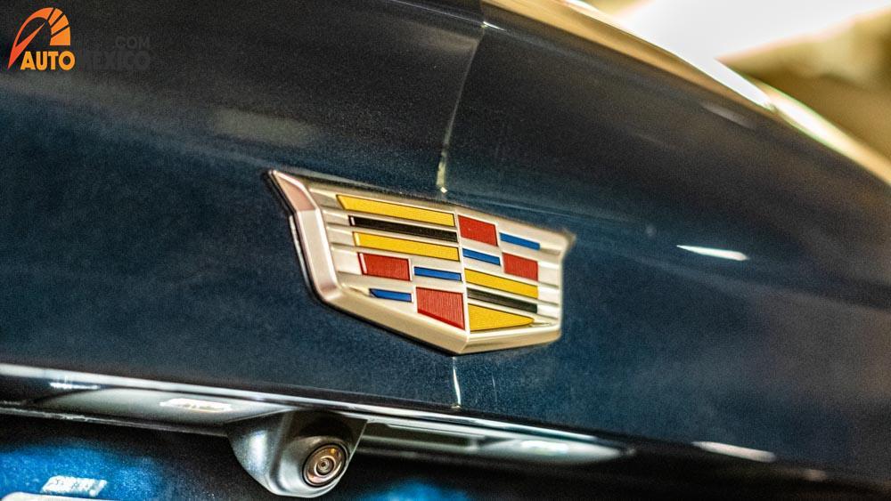 Cadillac XT4 precio 3