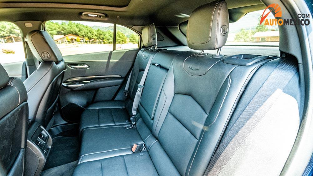 La Cadillac XT4 precio mexico tiene lujo en su interior