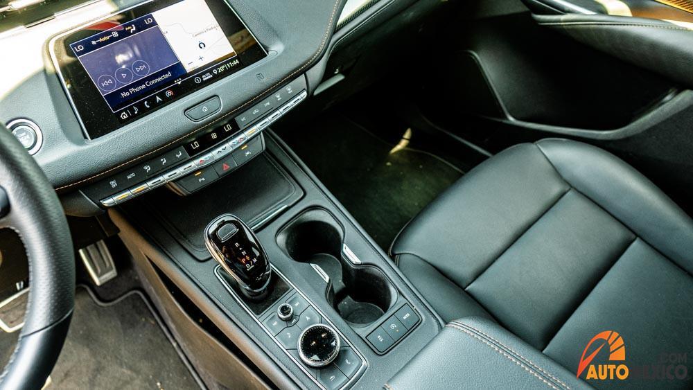 La Cadillac XT4 precio mexico tiene motor turbo