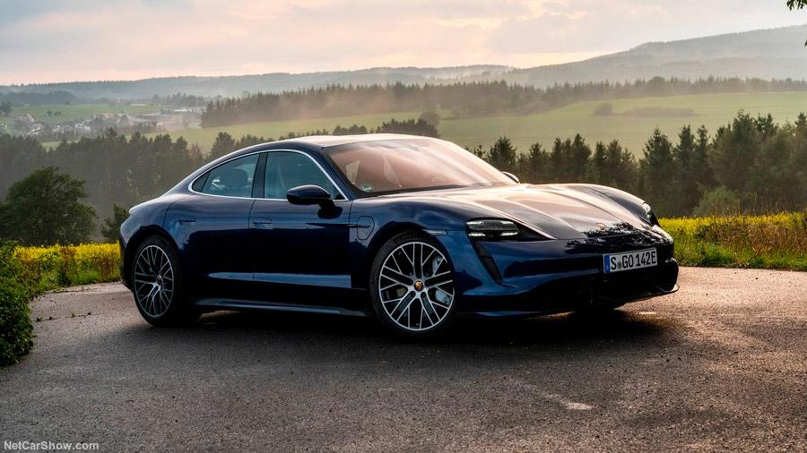El Porsche Taycan es el primer auto 100% eléctrico de la marca