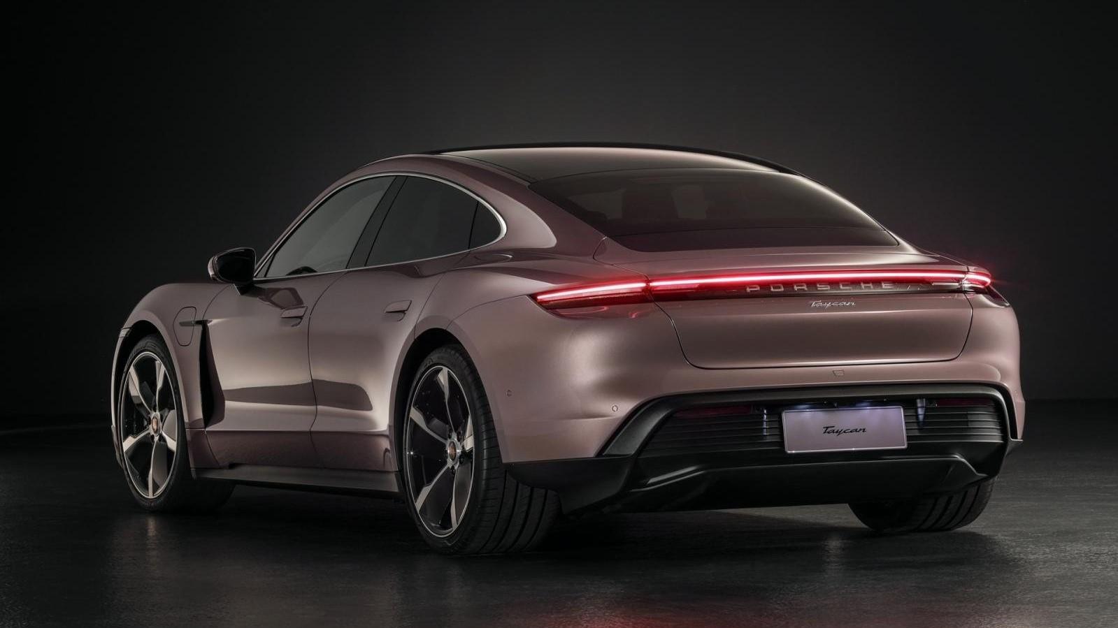 Se acaba de presentar un Porsche Taycan tracción trasera