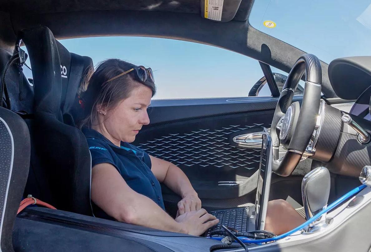 El aire acondicionado del Bugatti Chiron ¡puede enfriar un departamento completo!