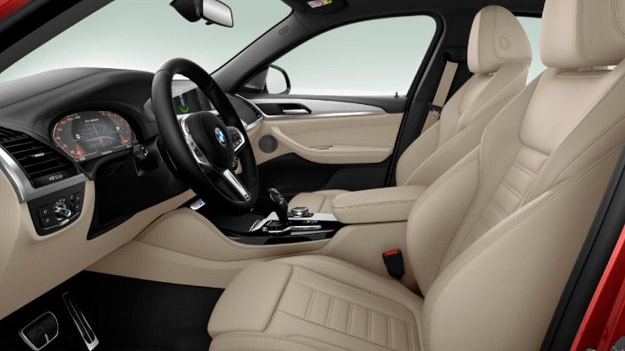 El interior incorpora materiales premium en casi todas las superficies