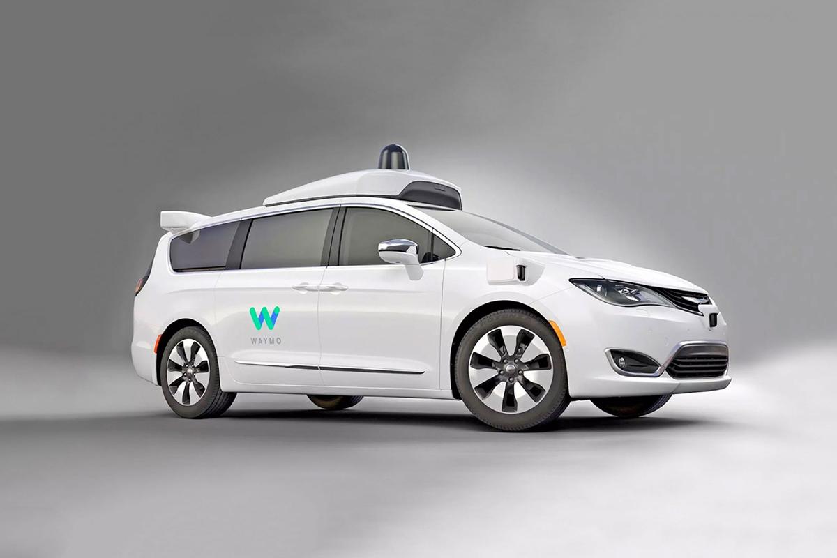 Waymo ha integrado su tecnología a la Chrysler Pacifica