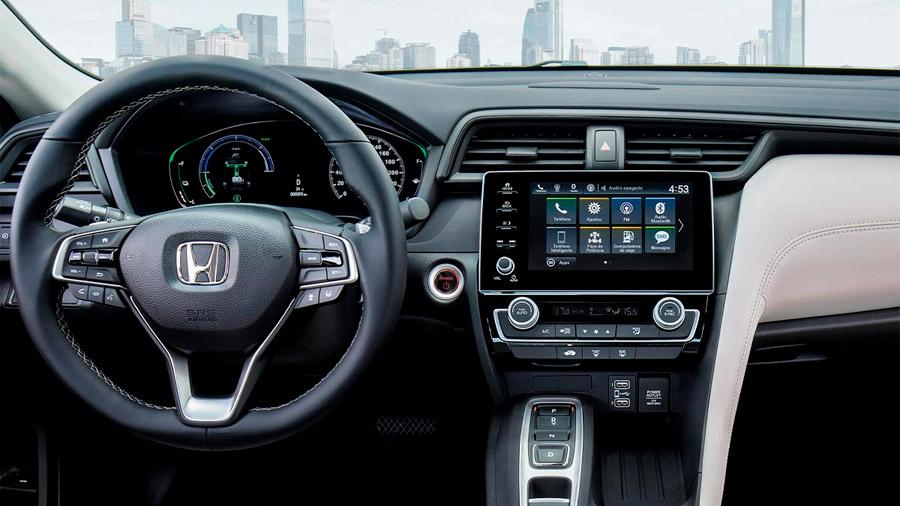 El Honda Insight ofrece una conducción dinámica y eficiente