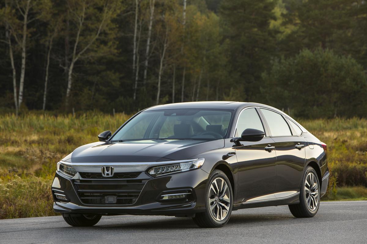 Honda se apoya en empleados administrativos para armar autos