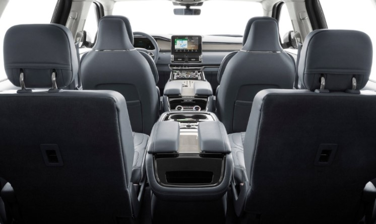 Mercedes-Benz GLS 580 4Matic 2020 Lincoln Navigator Reserve 2020 comparativa