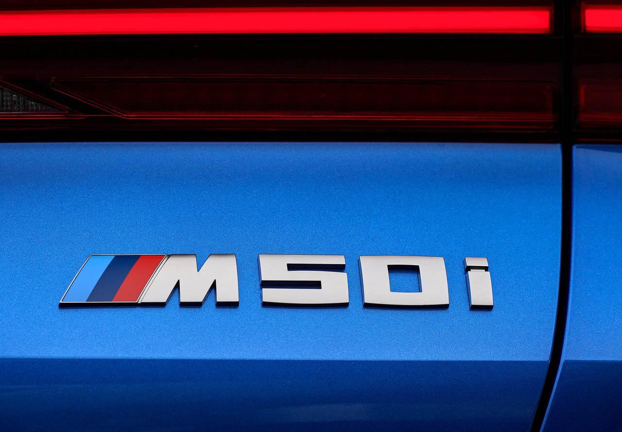La BMW X6 M50itiene un acabado especial en la parrilla