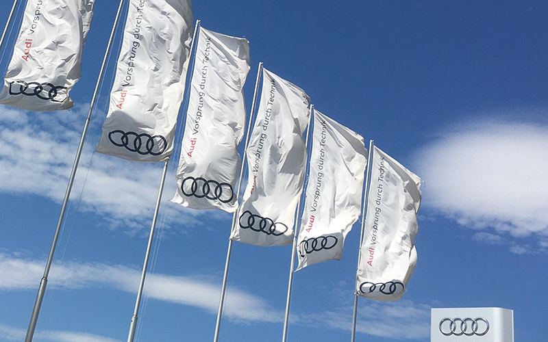 Audi banderas