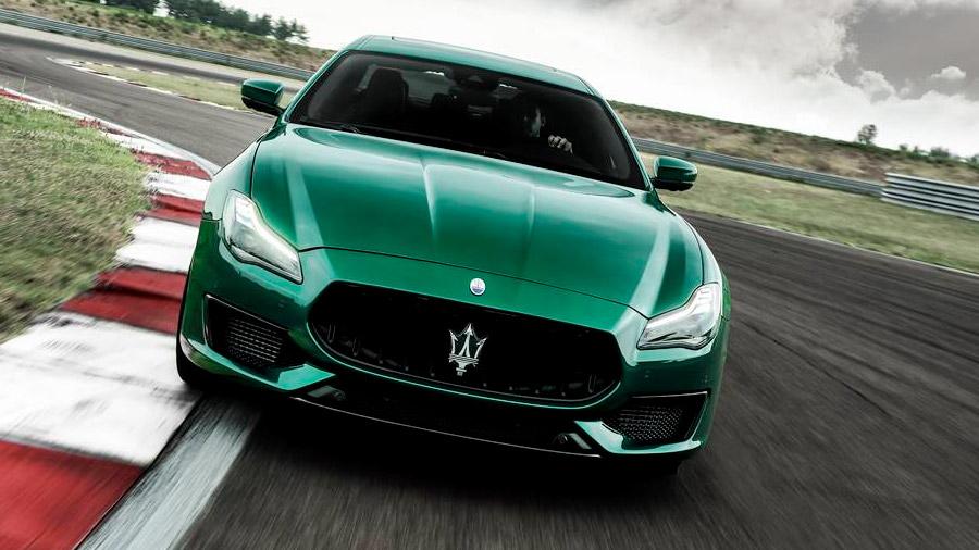 El Maserati Quattroporte acelera de 0 a 100 km/h en 4.5 segundos