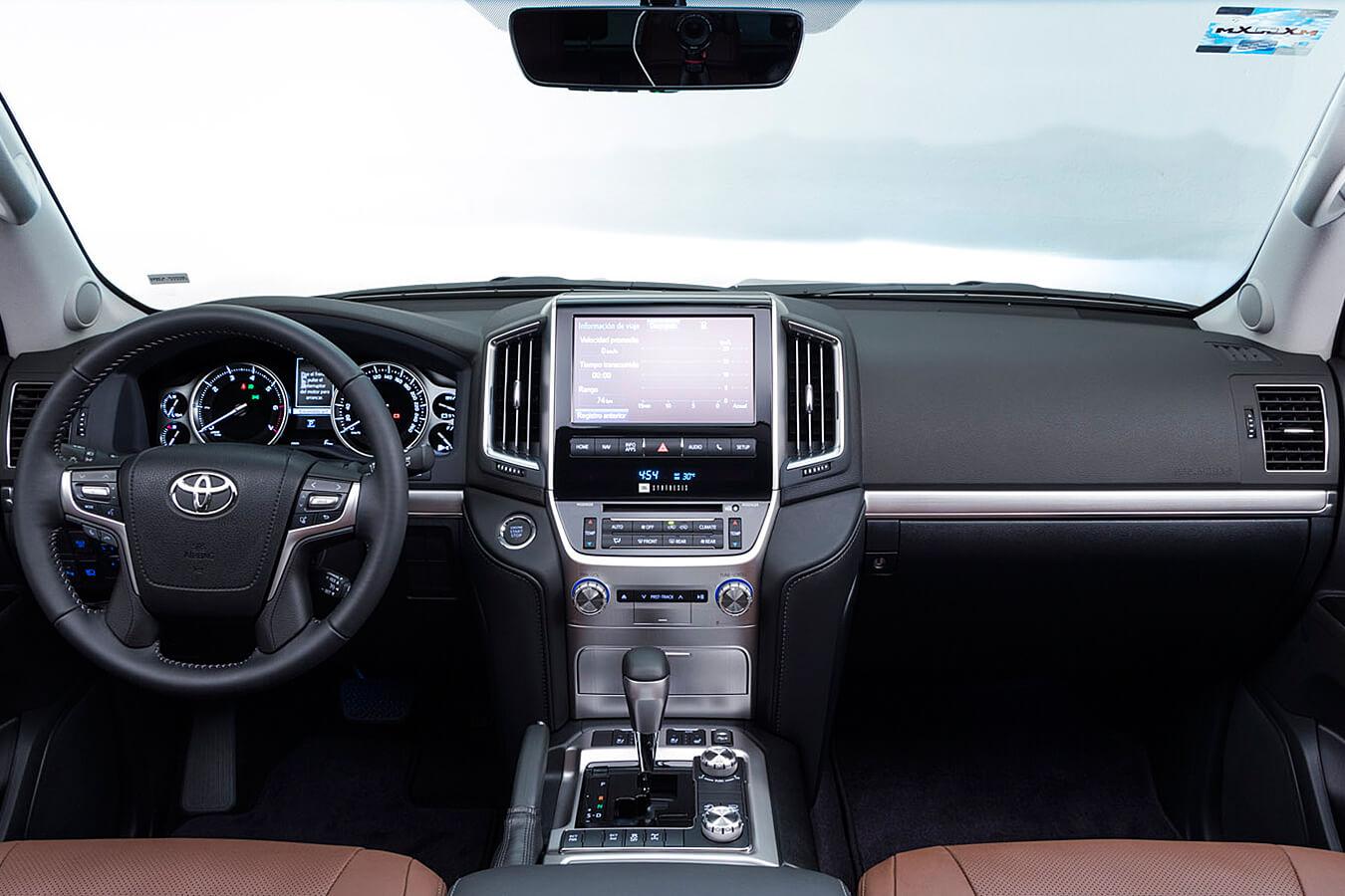 La Toyota Land Cruiser tiene buen espacio interior