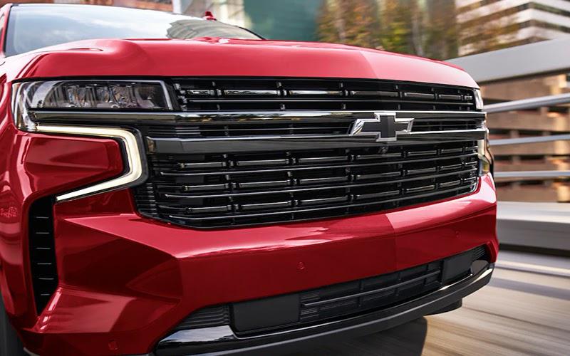 Chevrolet Tahoe rojo cabeza