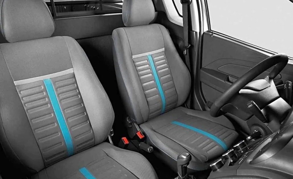 Chevrolet Tornado interior