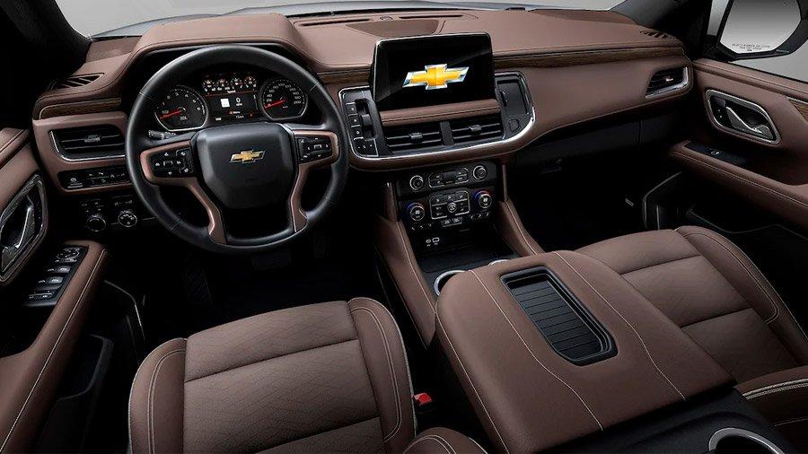 El interior de la Chevrolet Suburban sobresale por sus materiales de alta calidad