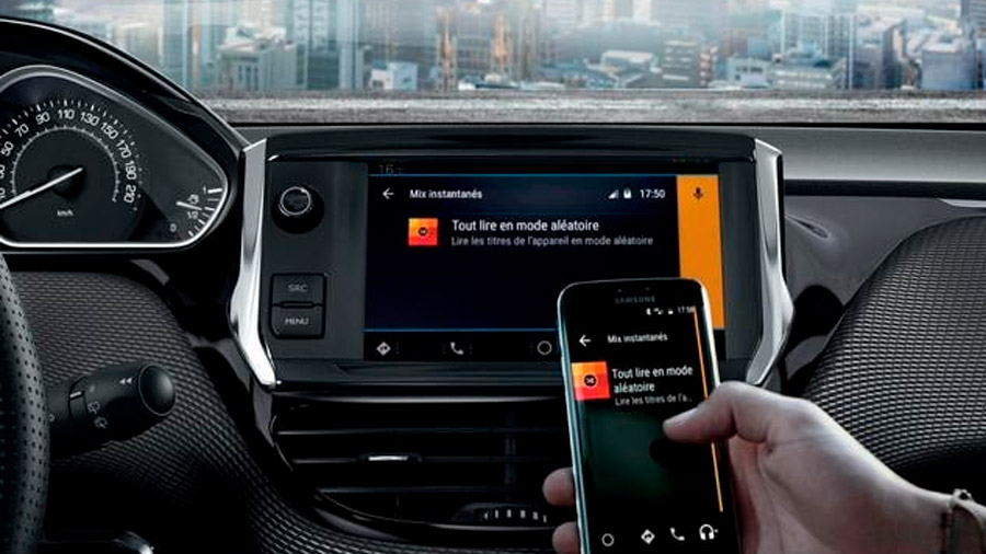 Su sistema de infotenimiento es compatible con Android Auto y Apple CarPlay