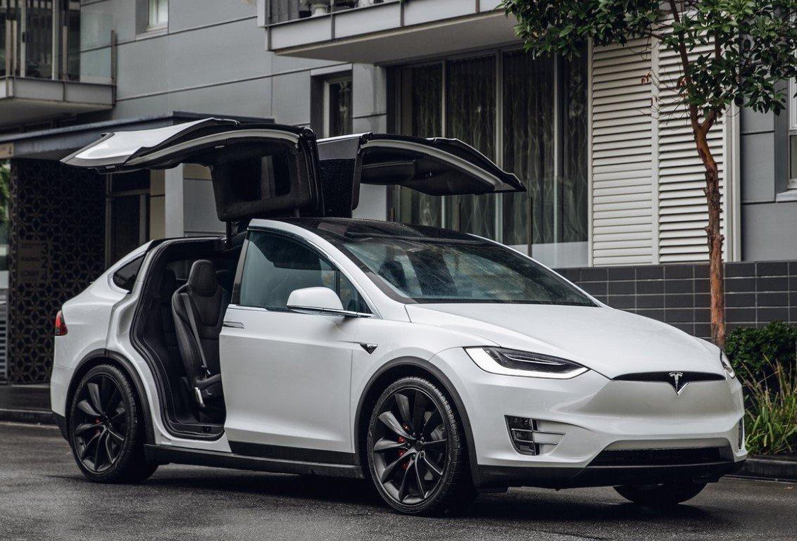 Tesla Model X precio 3