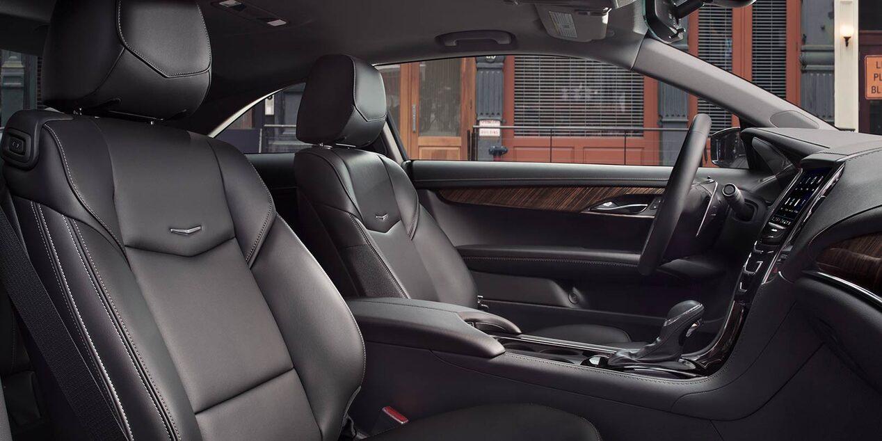 El Cadillac ATS Coupé tiene detalles cromados