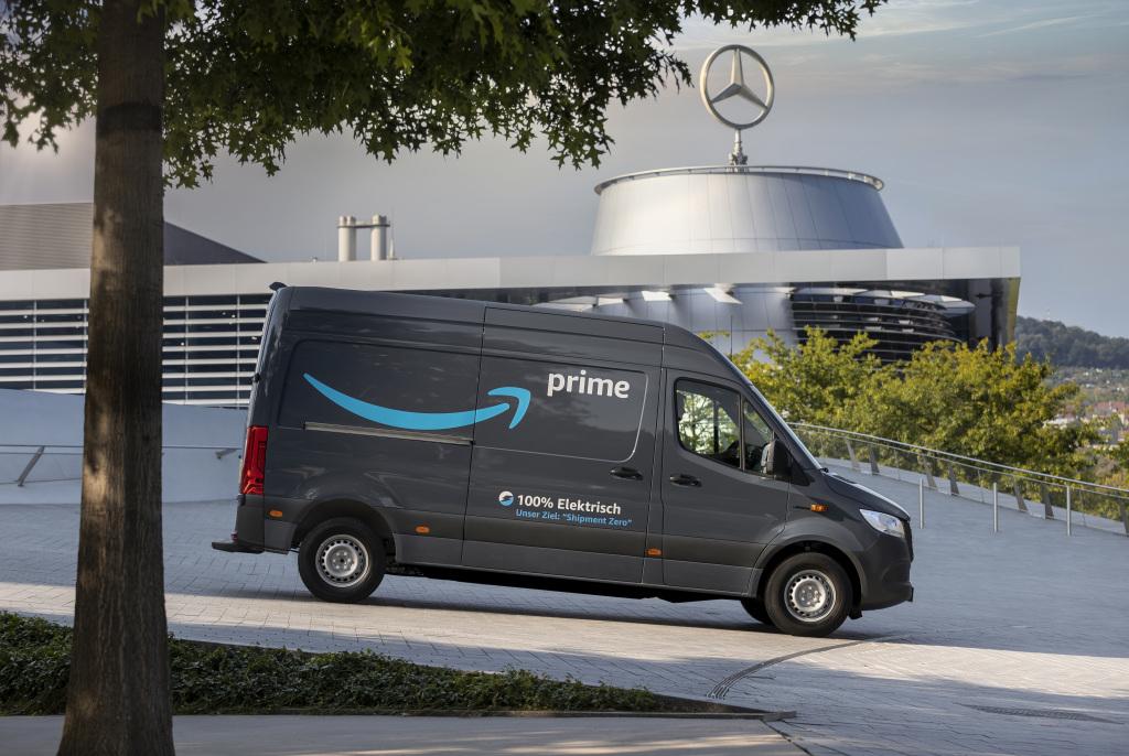 Amazon pide 1,800 camionetas eléctricas a Mercedes-Benz