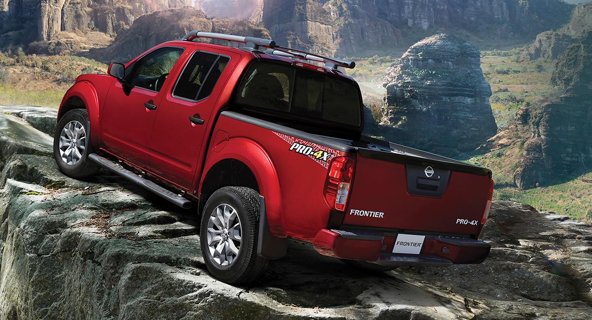 Nissan Frontier Pro 4x rojo