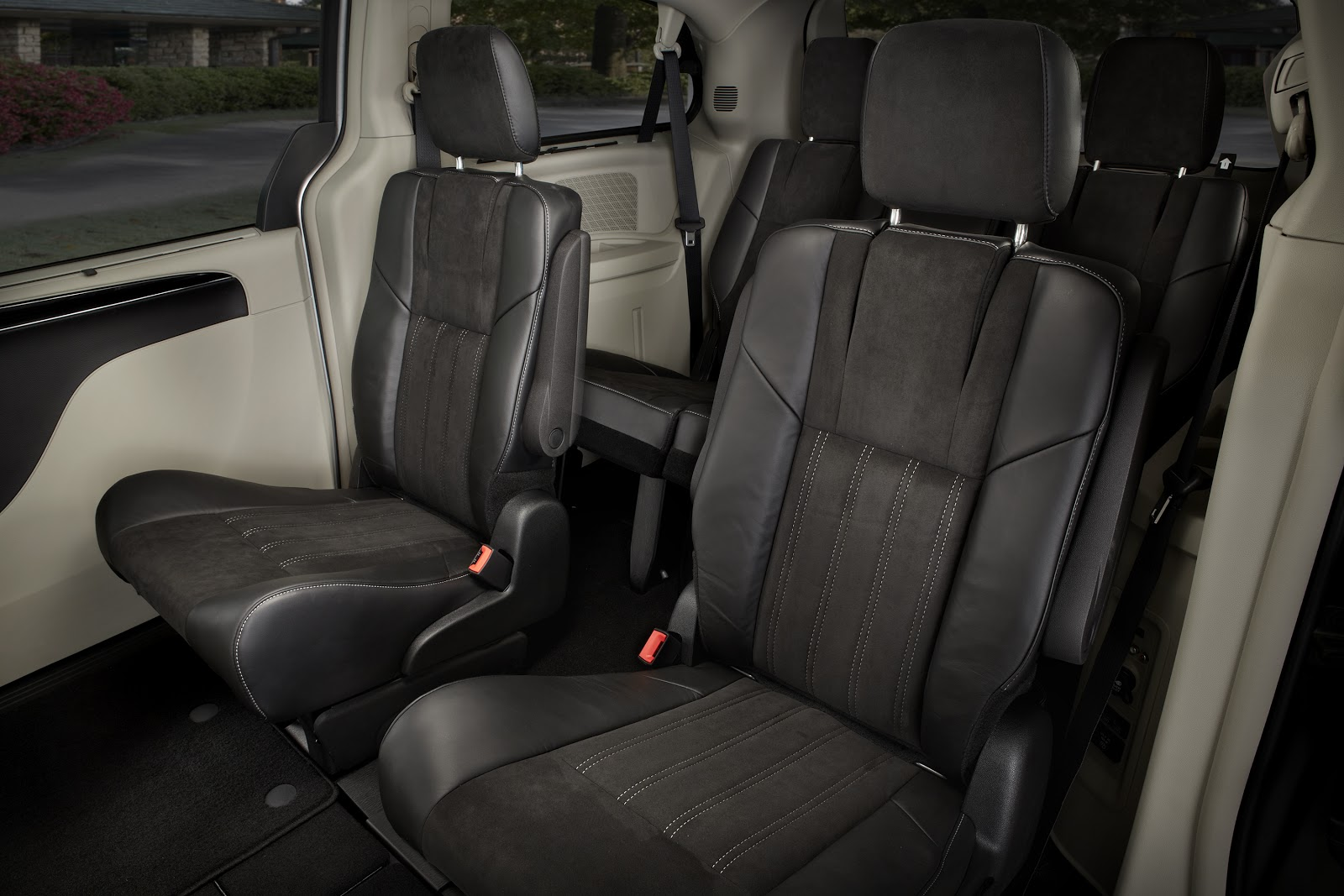 Chrysler Town and Country interior