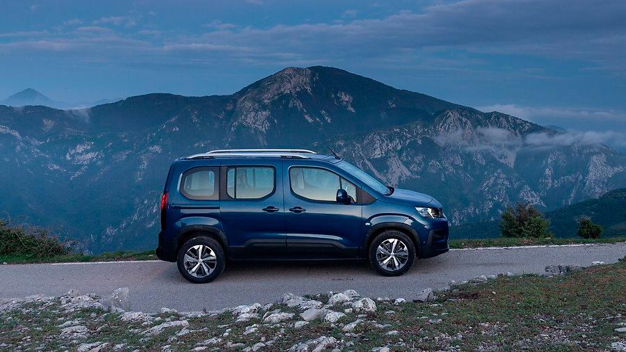 Esta camioneta es ideal para quienes buscan un diseño funcional, eficiencia energética y gran espacio en cabina a un precio accesible