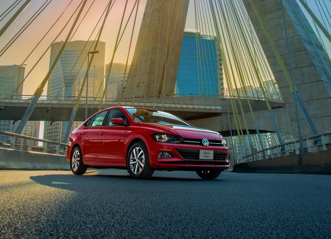 Volkswagen Virtus rojo