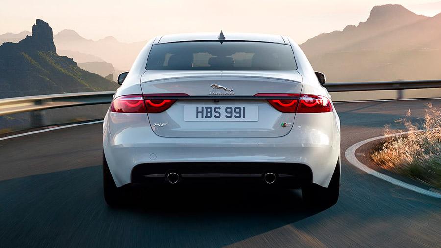 Es un auto con un aspecto elegante y lujoso, pero que no deja de ser práctico