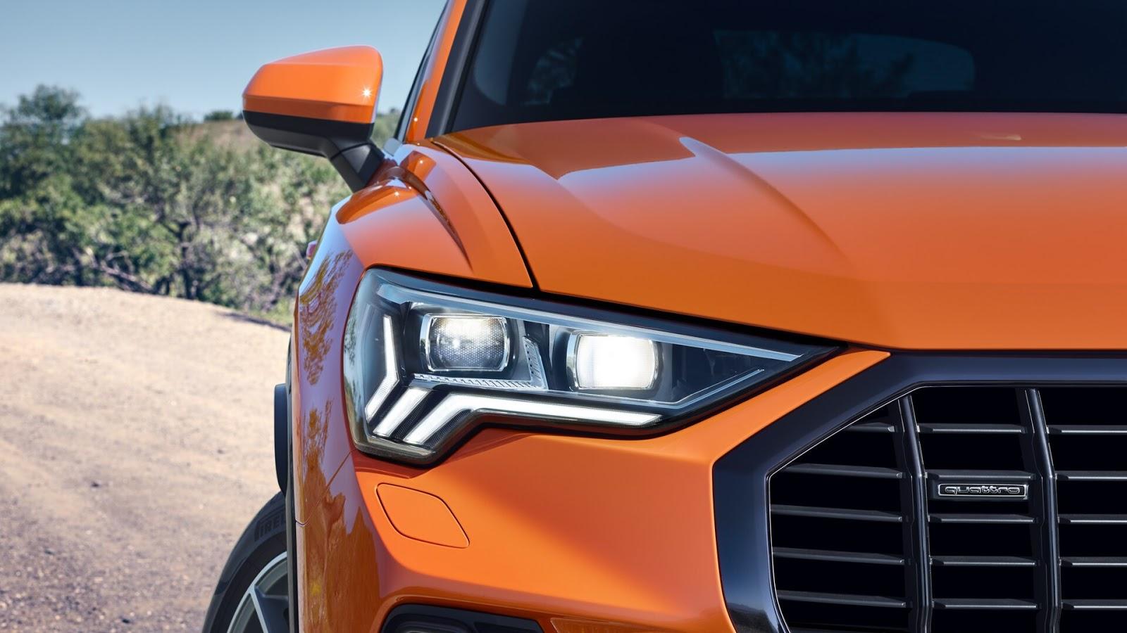 Audi Q3 naranja faro