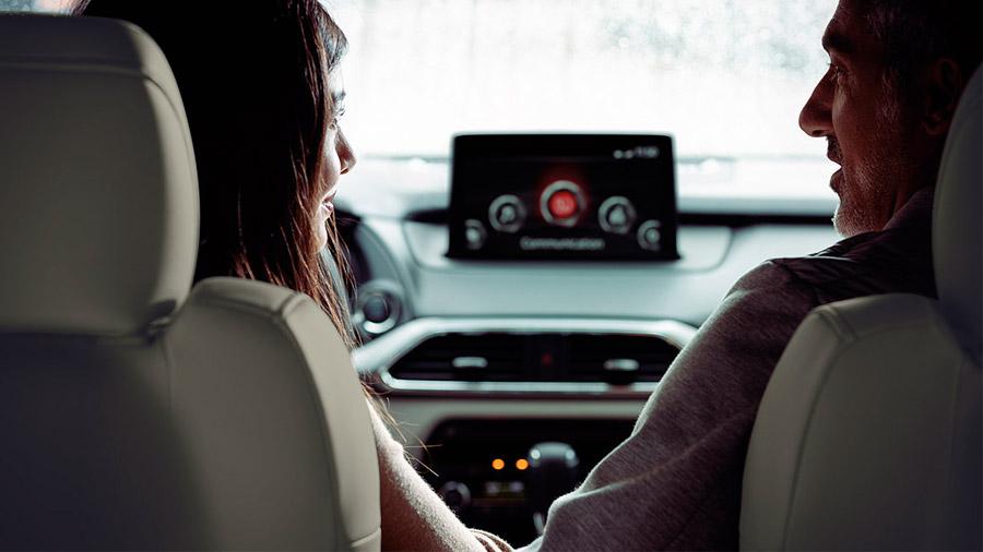 Ofrece un alto nivel de confort, pese a no contar con la cabina más espaciosa del segmento