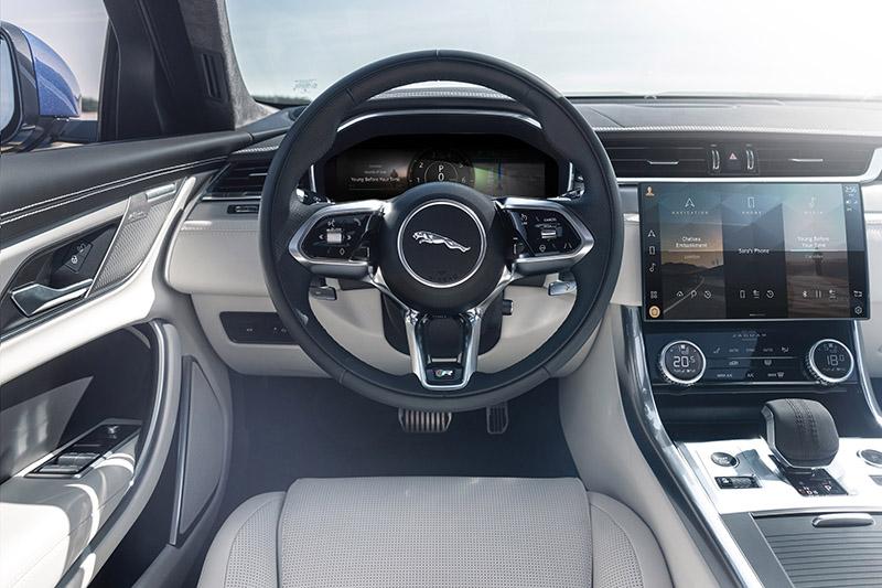 Jaguar XF 2021 interior