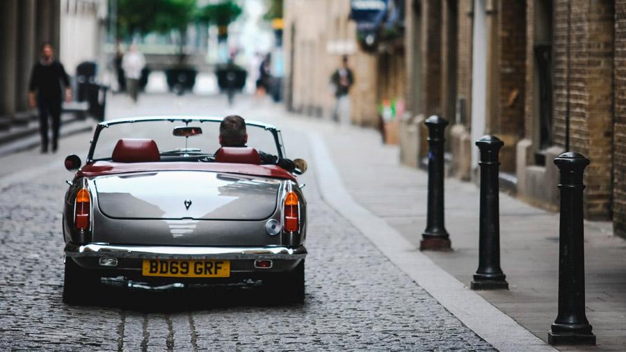 El auto lleva el motor eléctrico en la zona trasera
