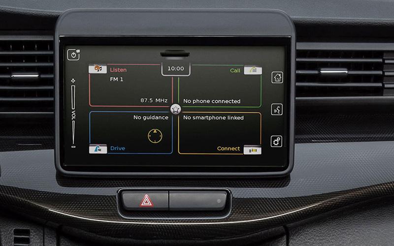 Suzuki Ertiga XL7 infoentretenimiento