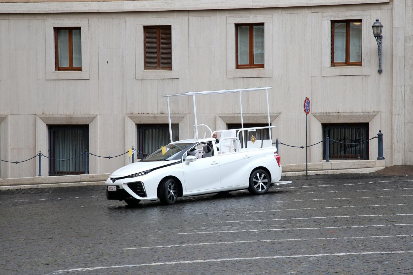 Toyota Mirai Papamóvil