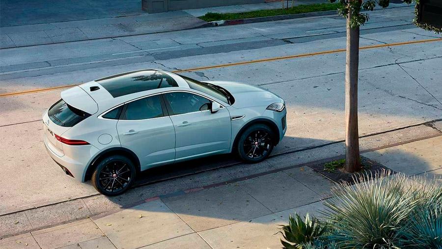 Presume un diseño diferencial en el segmento de las SUV de lujo