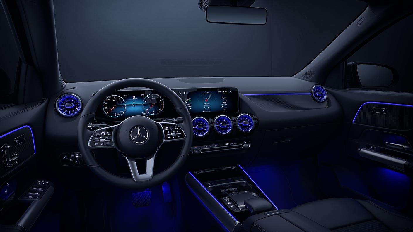 BMW X1 sDrive20i 2021 Mercedes-Benz GLA 200 Progressive 2021 Comparativa